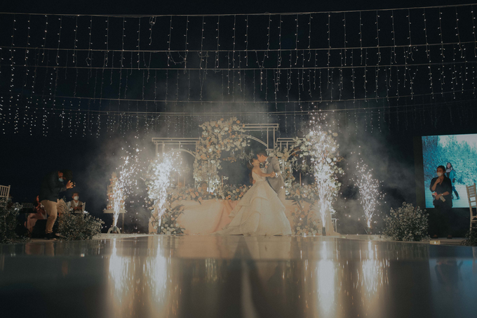 The Wedding of Randy and Sally by Delapan Bali Event & Wedding - 024