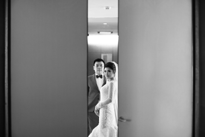 Wedding of Feliks & Vinchi (Ritz Carlton Bali) by DONNY LIEM The Make Up Art - 013