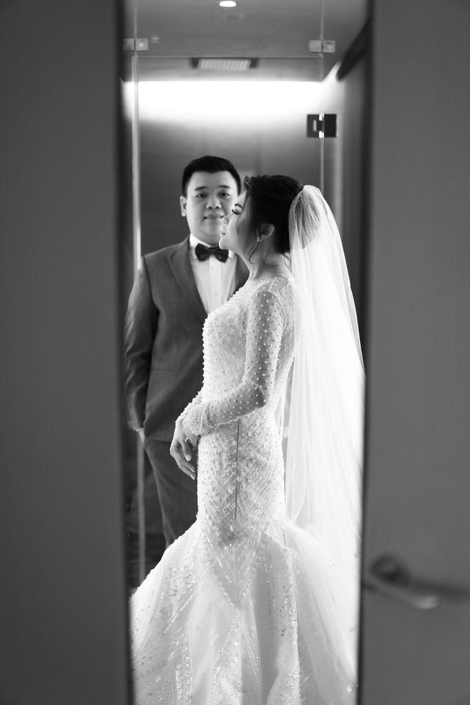 Wedding of Feliks & Vinchi (Ritz Carlton Bali) by DONNY LIEM The Make Up Art - 012