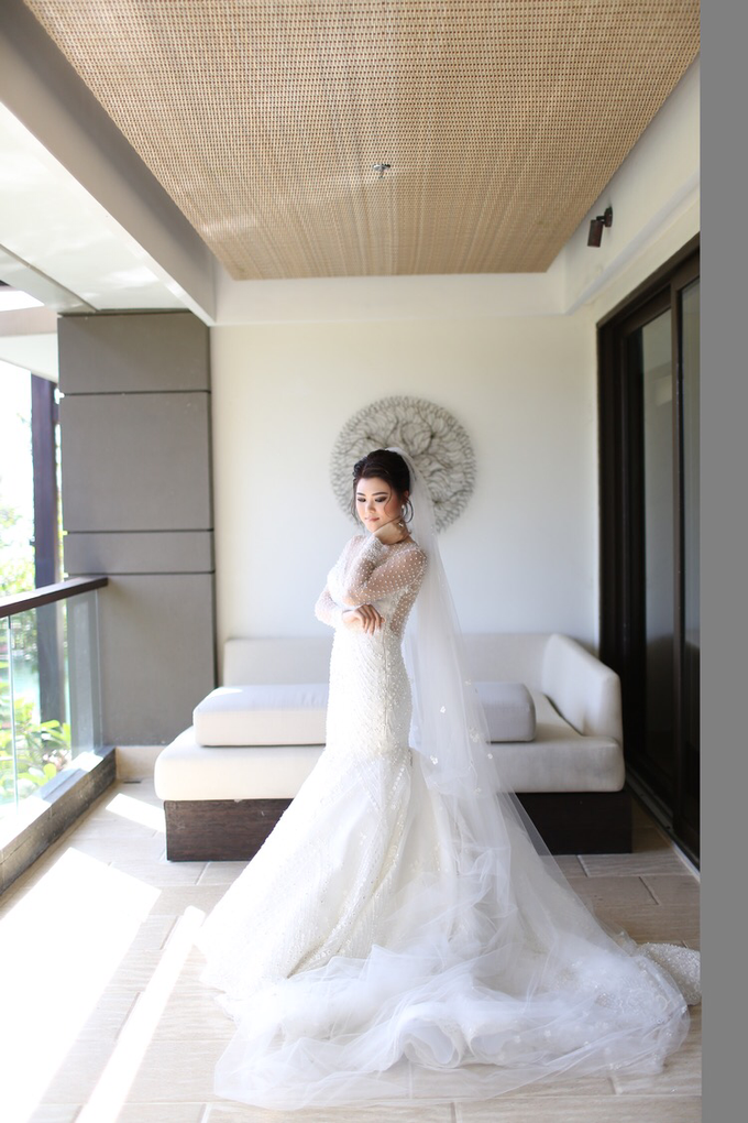 Wedding of Feliks & Vinchi (Ritz Carlton Bali) by DONNY LIEM The Make Up Art - 014