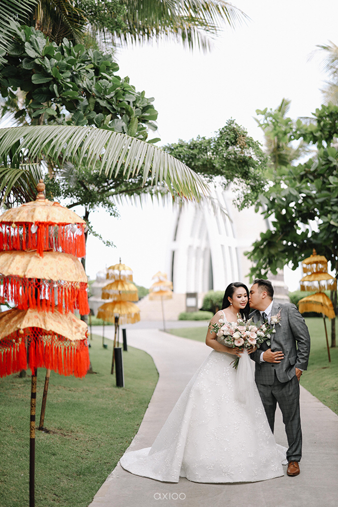 Wedding of Daniel & Emmilia (Ritz Carlton Bali) by Hian Tjen - 023