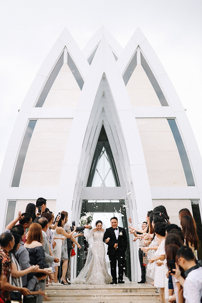 Wedding of Daniel & Emmilia (Ritz Carlton Bali) by Hian Tjen - 029