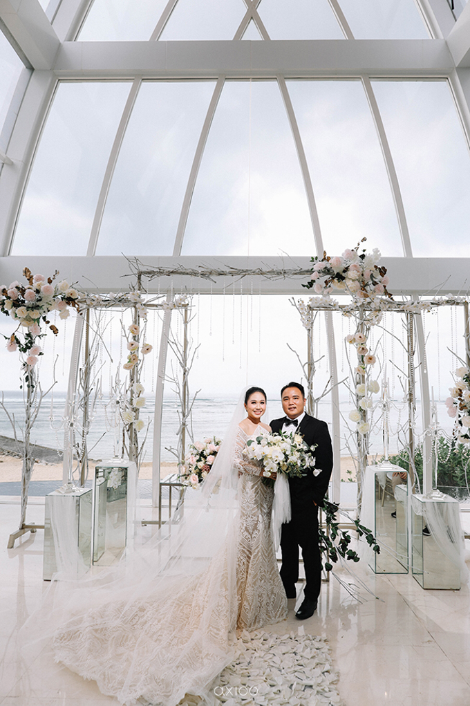 Wedding of Daniel & Emmilia (Ritz Carlton Bali) by Hian Tjen - 031
