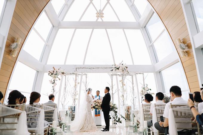Wedding of Daniel & Emmilia (Ritz Carlton Bali) by Hian Tjen - 034