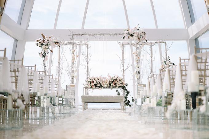 Wedding of Daniel & Emmilia (Ritz Carlton Bali) by Hian Tjen - 036