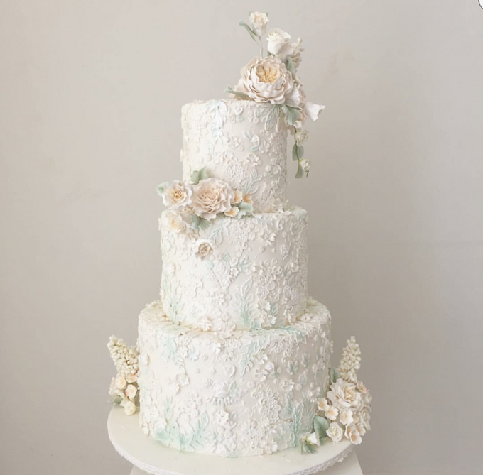 3 layers wedding cakes by LeNovelle Cake - 004
