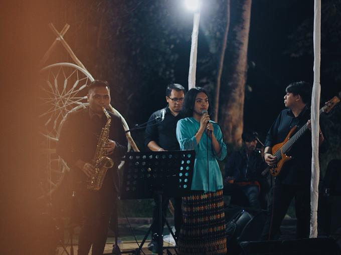 MC & Band for Faiz & Cempaka by akar photography - 006