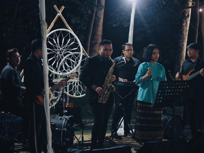 MC & Band for Faiz & Cempaka by akar photography - 007