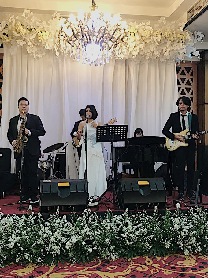 Band & MC for Ruth & Frans by akar photography - 002