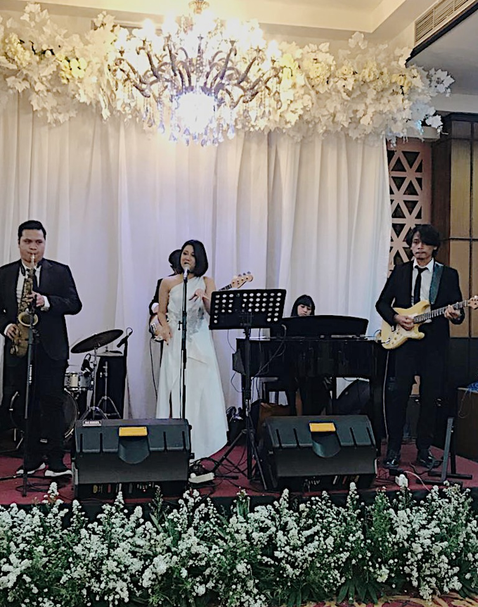 Band & MC for Ruth & Frans by akar photography - 005