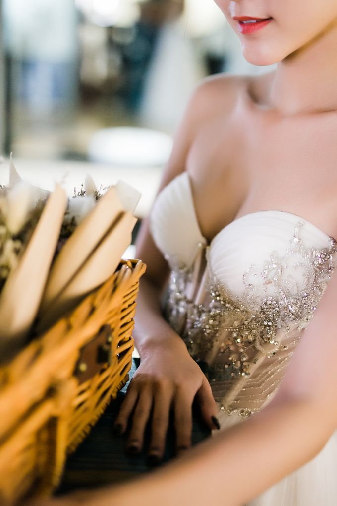 Modern fairytale wedding inspiration with us by Luna Bianca Bridal Boutique - 002