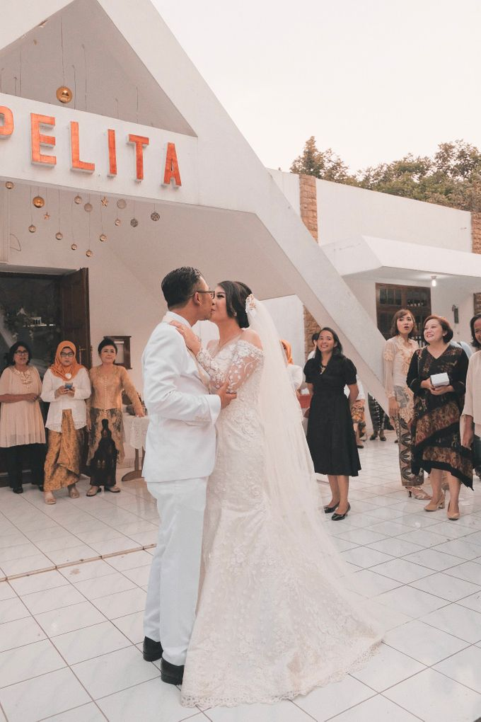 Wedding of Destiyani and Dimas by Le Clemmie by Amelia - 003