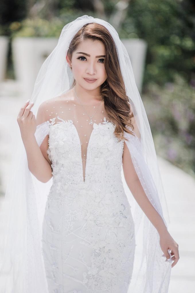 Natural wedding makeup look by Studio 8 Bali Photography - 003