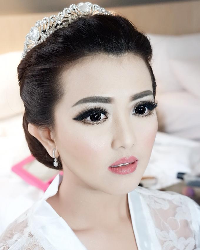 Fierce and bold look wedding Makeup by Dexterite Makeup Artist - 003
