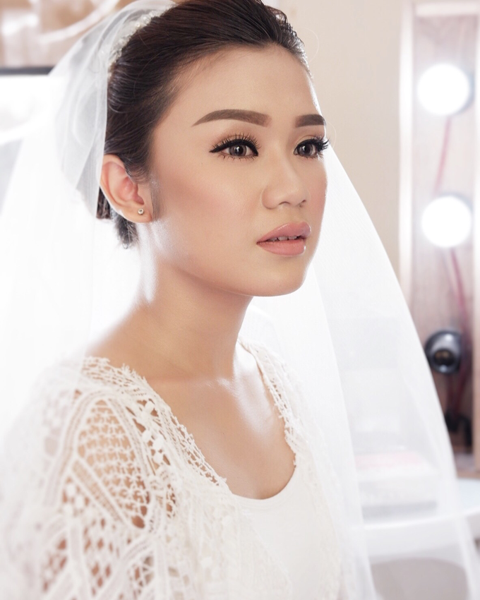 Bali Bride - Elegant Makeup and Hair styling by Dexterite Makeup Artist - 004