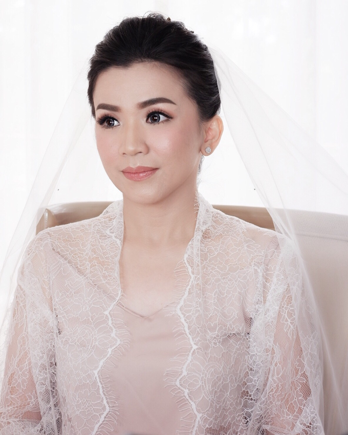 Beautiful Bride Christine by Dexterite Makeup Artist - 005