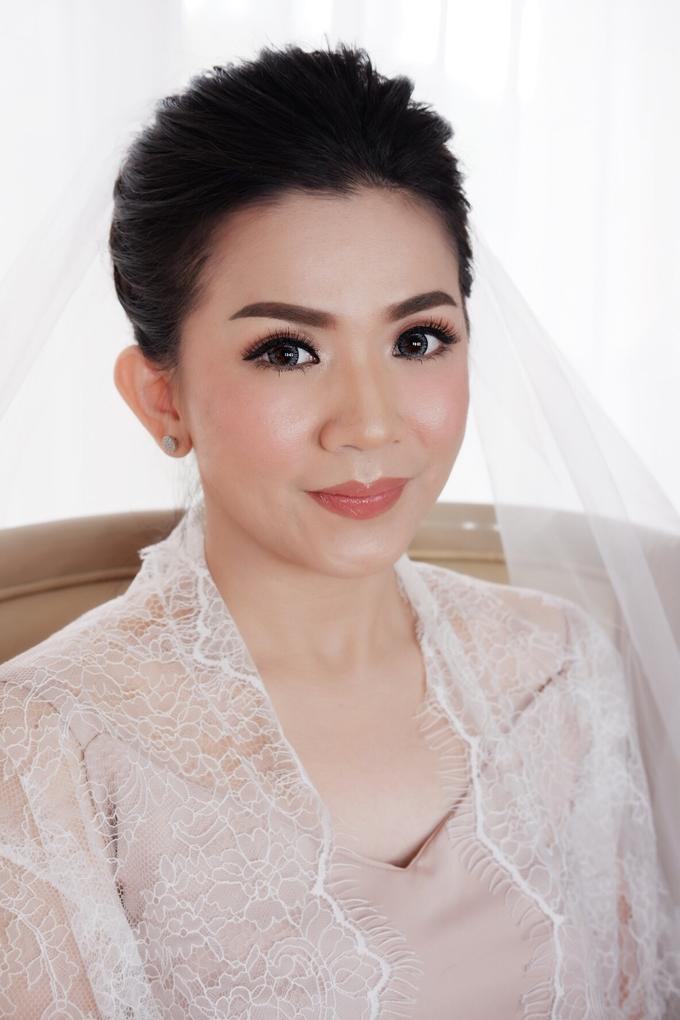 Beautiful Bride Christine by Dexterite Makeup Artist - 002