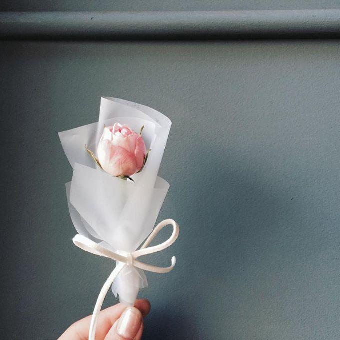 Single Flower by La Belle Vie flower - 011