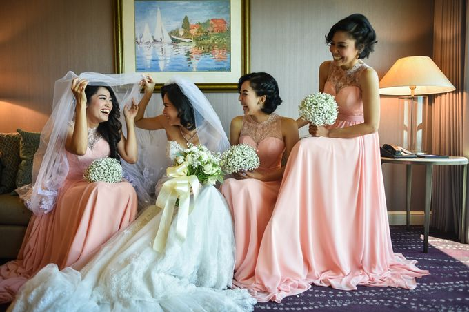 An Amazing Fairy tale Wedding by JW Marriott Hotel Surabaya - 012