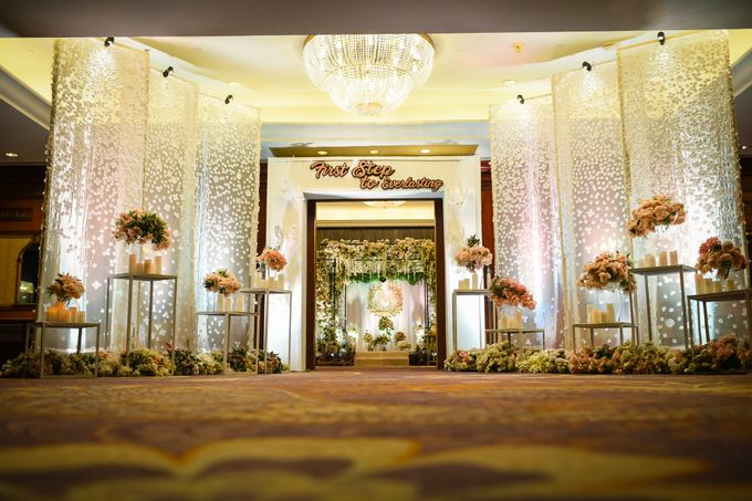 An Amazing Fairy tale Wedding by JW Marriott Hotel Surabaya - 020