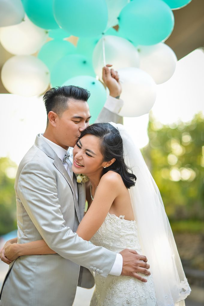 An Amazing Fairy tale Wedding by JW Marriott Hotel Surabaya - 019