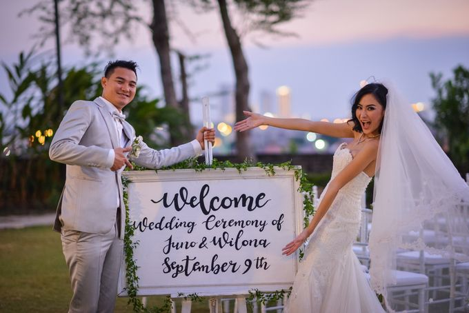 An Amazing Fairy tale Wedding by JW Marriott Hotel Surabaya - 004