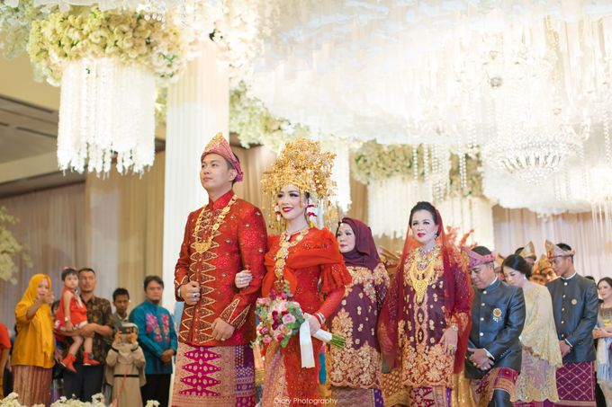 Wenty & Putra Wedding by SVARNA by IKAT Indonesia Didiet Maulana - 007