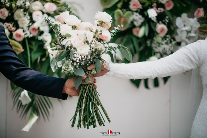 The Wedding of Dini & Sigit by Trickeffect - 031