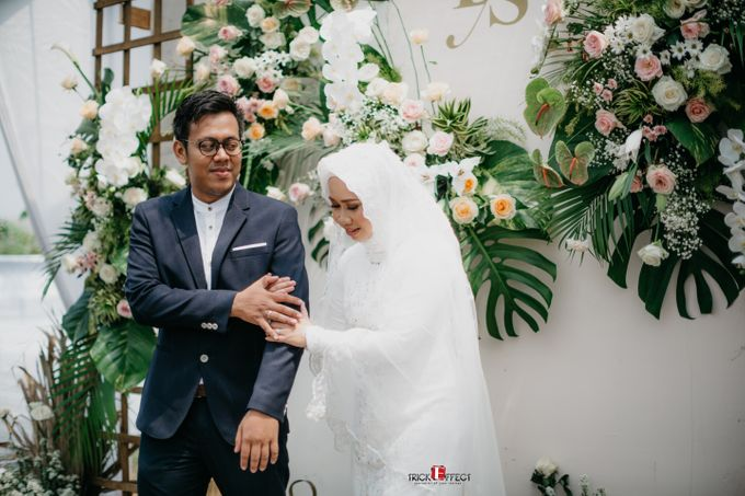 The Wedding of Dini & Sigit by Trickeffect - 032