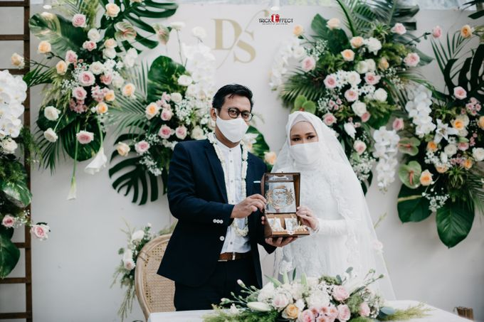 The Wedding of Dini & Sigit by Trickeffect - 024