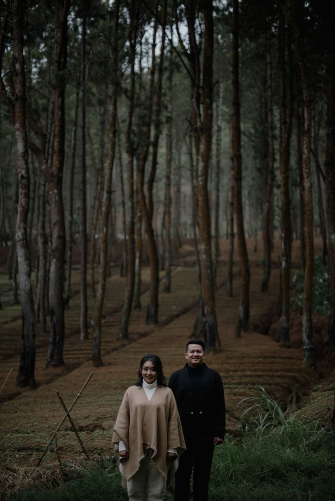 Dipa and Devi | Intimate Session by MERAWI - 004