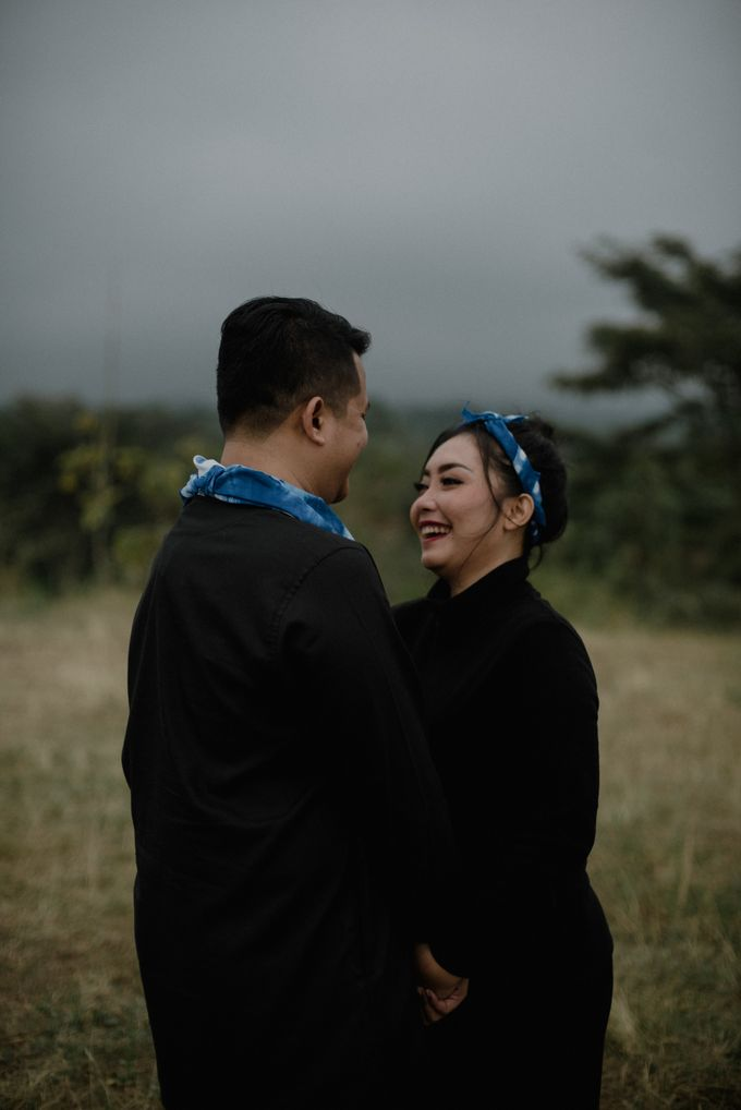 Dipa and Devi | Intimate Session by MERAWI - 015
