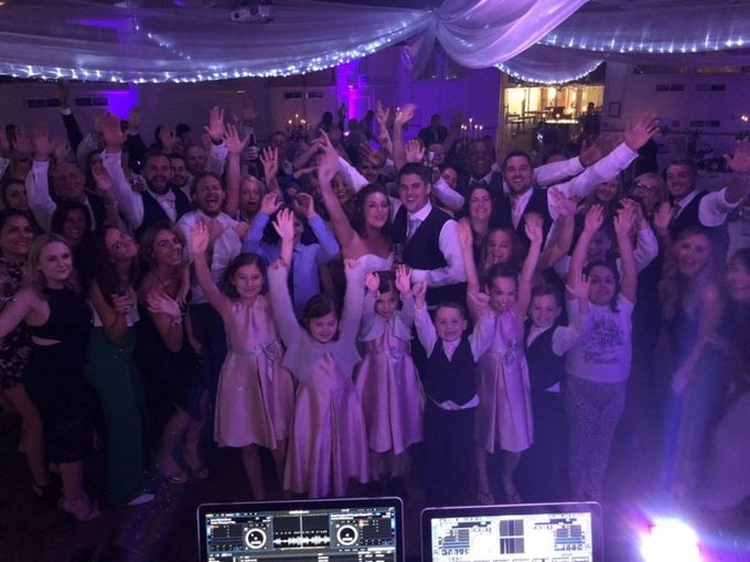 Mirth & Merriment for Wedding Reception Entertainment by Entertainers Worldwide - 008