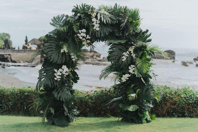 Michael & Medy Wedding by Bloomz Flower Bali - 002