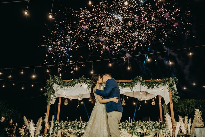 The Wedding of Desy & Alvian by Tirza Zoraya - 008