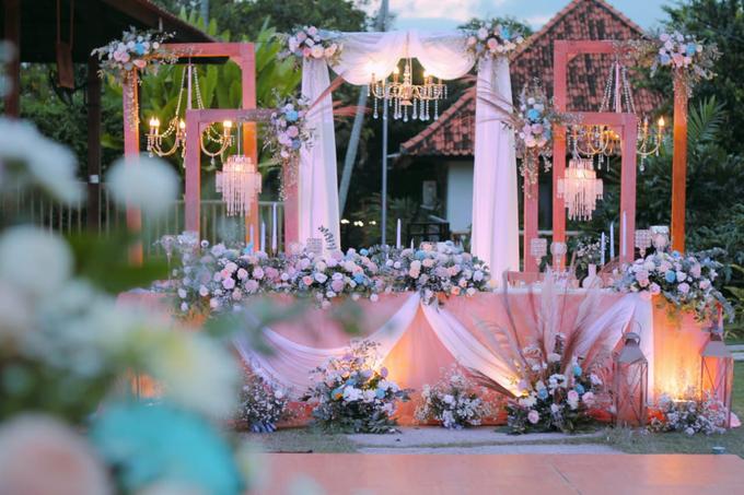 The wedding of Boy & Selfie by Dona Wedding Decoration & Planner - 001