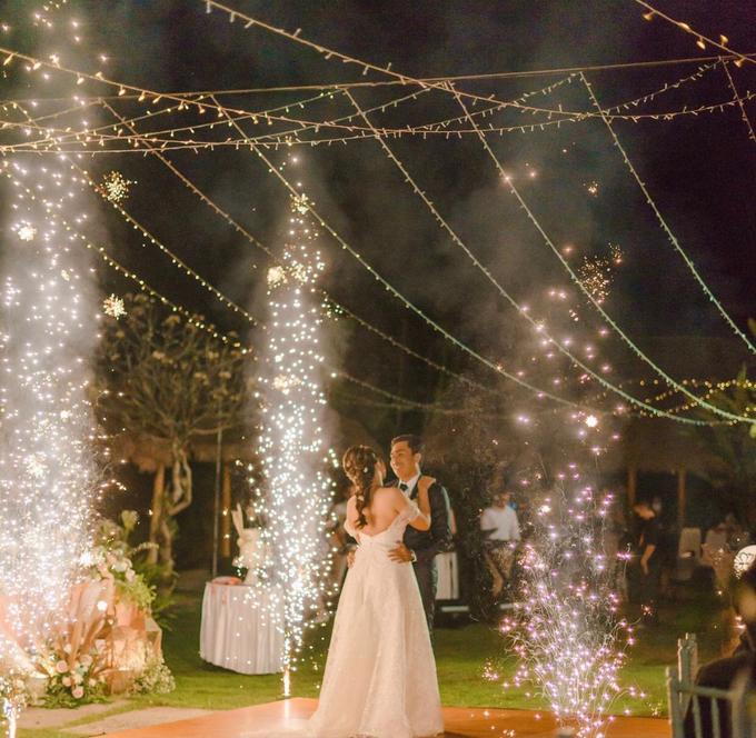 The wedding of Boy & Selfie by Dona Wedding Decoration & Planner - 009