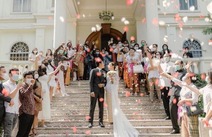 The wedding of Boy & Selfie by Dona Wedding Decoration & Planner - 018