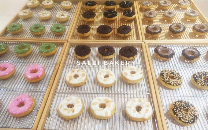 Donat Produksi Salzi Bakeri by Salzi Bakery - 001