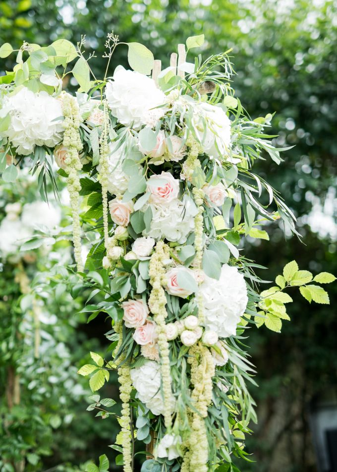 Fairytale castle wedding in France by Dorothée Le Goater Events - 016