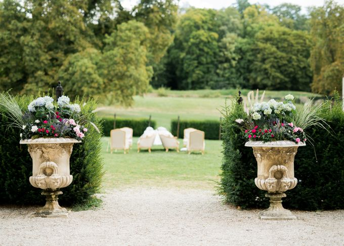 Fairytale castle wedding in France by Dorothée Le Goater Events - 005