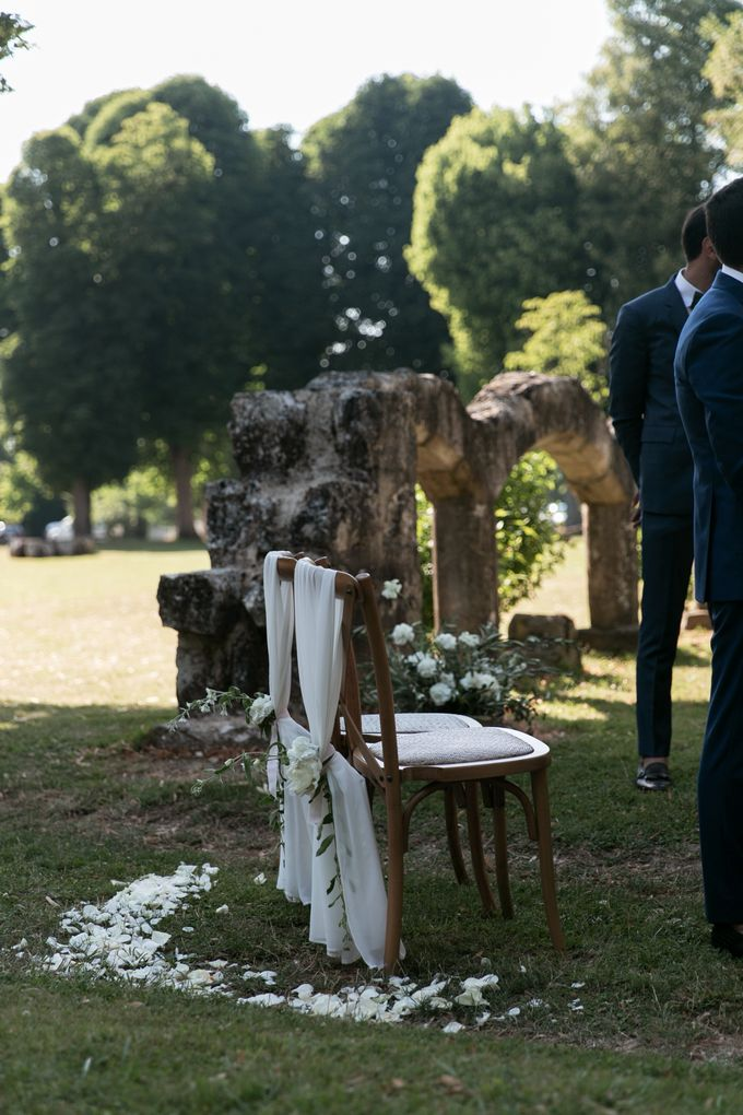 Al Fresco Wedding in the garden of a french castle by Dorothée Le Goater Events - 007