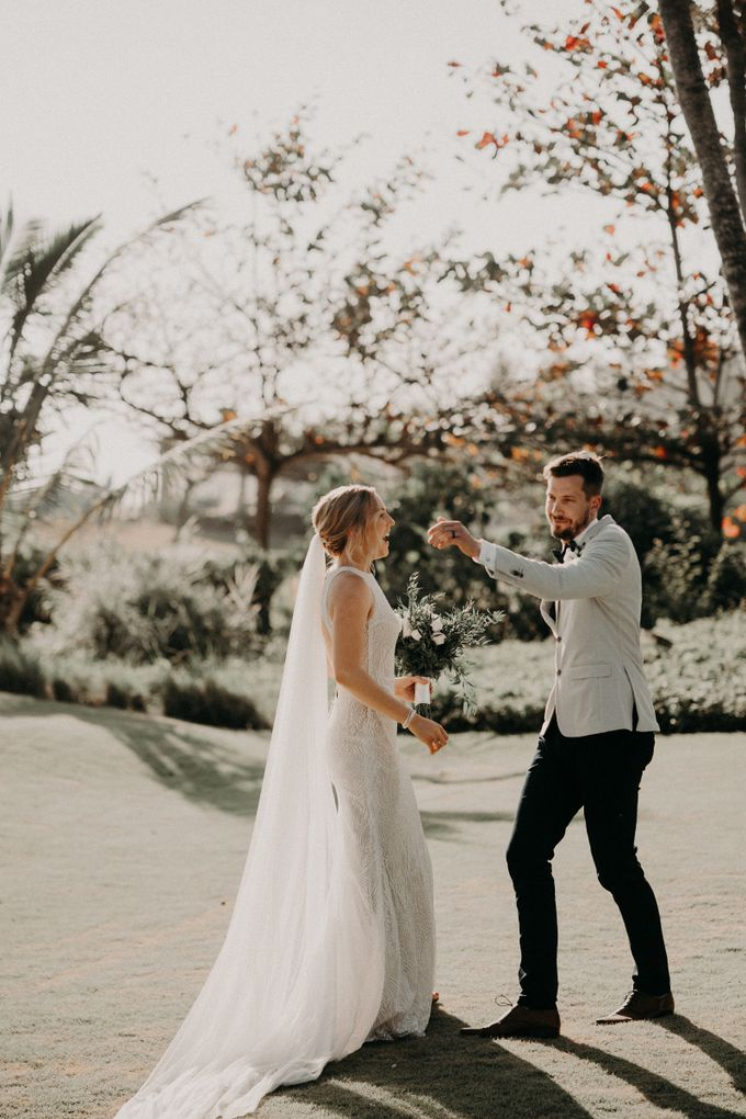 A Romantic Rustic Destination Wedding In Bali by AVAVI BALI WEDDINGS - 005