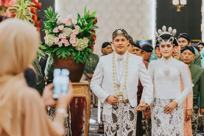 Javanese Akad of Reza & Dyah by  Menara Mandiri by IKK Wedding (ex. Plaza Bapindo) - 014