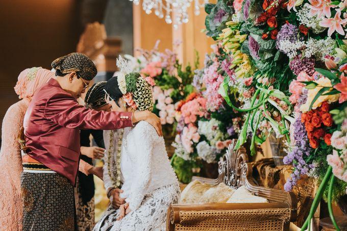 Javanese Akad of Reza & Dyah by  Menara Mandiri by IKK Wedding (ex. Plaza Bapindo) - 007