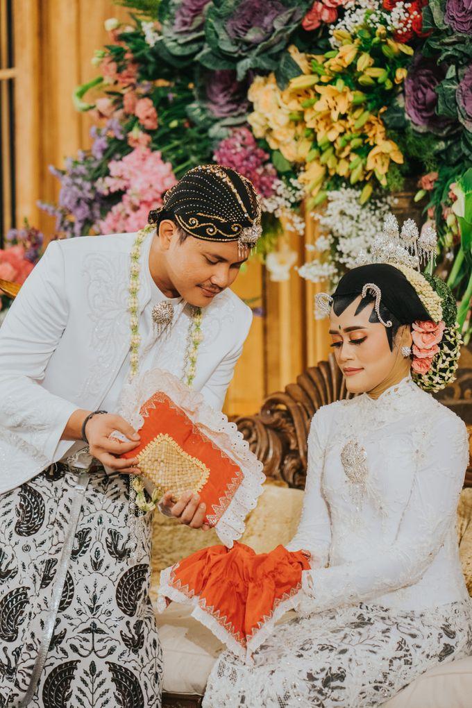Javanese Akad of Reza & Dyah by  Menara Mandiri by IKK Wedding (ex. Plaza Bapindo) - 015