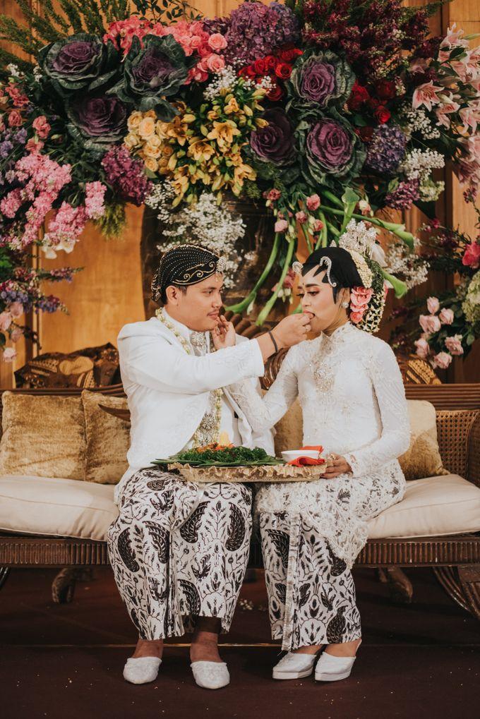 Javanese Akad of Reza & Dyah by  Menara Mandiri by IKK Wedding (ex. Plaza Bapindo) - 016