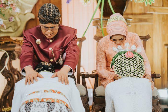 Javanese Akad of Reza & Dyah by  Menara Mandiri by IKK Wedding (ex. Plaza Bapindo) - 017