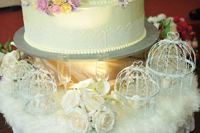 5 Tier Wedding Cake by Uci Bakery | Bridestory.com