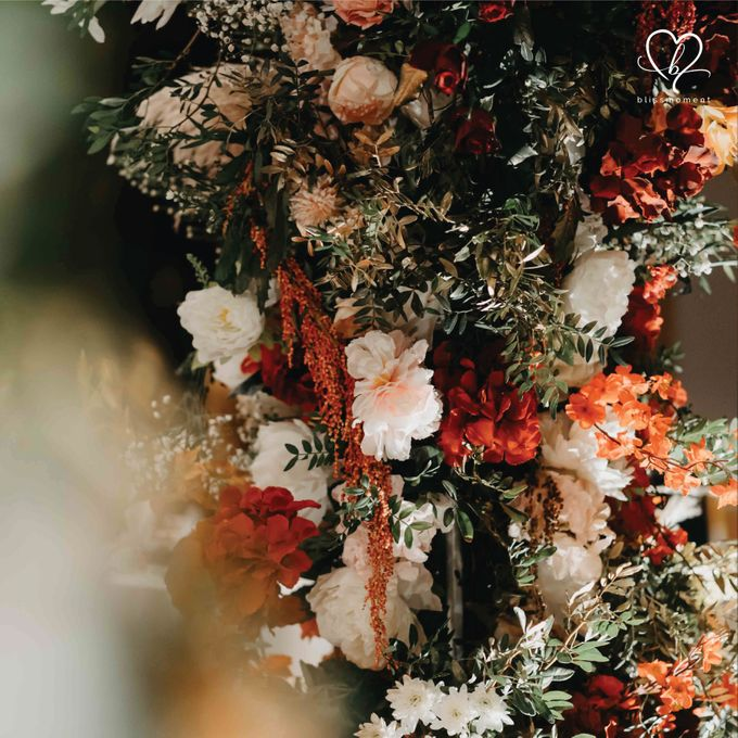 Dickson & Sue - Gold, champagne, blush, burgundy, brown Wedding by Blissmoment - 005